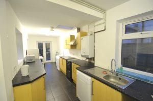 5 Double Bedroom House, 2 bathrooms, Warwards Lane, Selly Oak, Year 2020-21